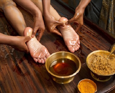 Ayurvedic-Body-Massage